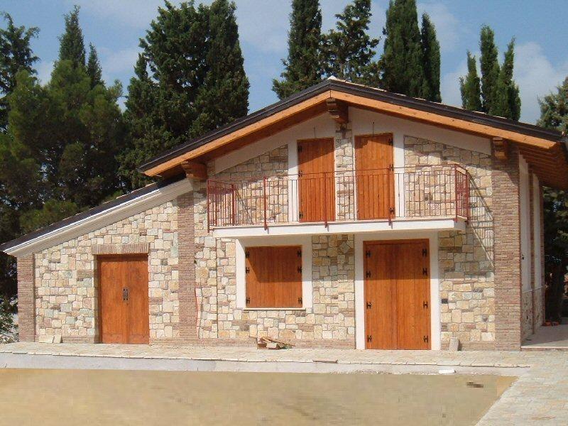 La pietra del sole rivestimenti in pietra per esterni ed interni mosaici scale e scalinate - Rivestimento per esterno in pietra ...